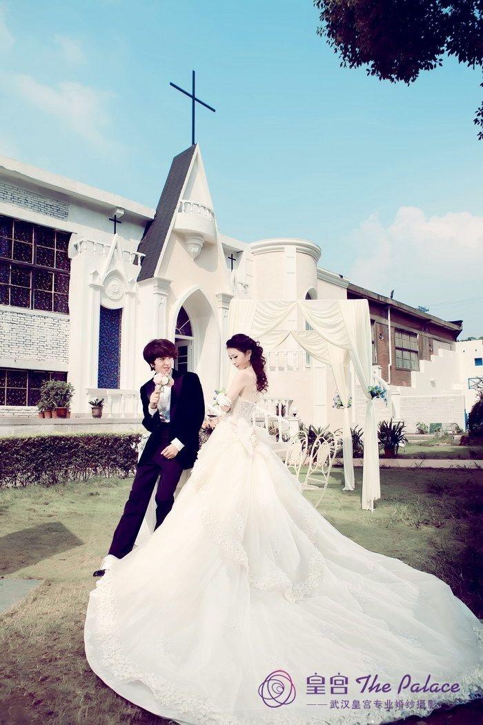 花园婚礼_皇宫婚纱摄影最新样片_武汉得意结婚网