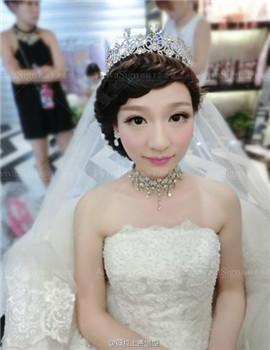 婚纱盘头步骤图片