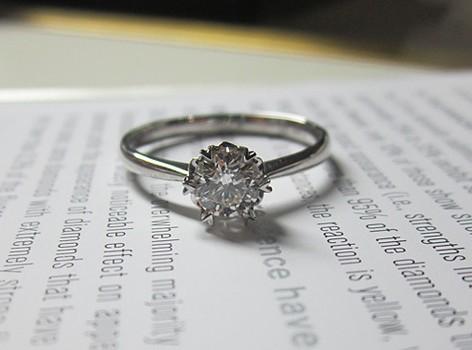 珂兰钻石_50分显钻款钻石女戒 心形六爪