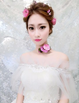 菲伊婚纱新娘造型_全鲜花造型的新娘试妆片