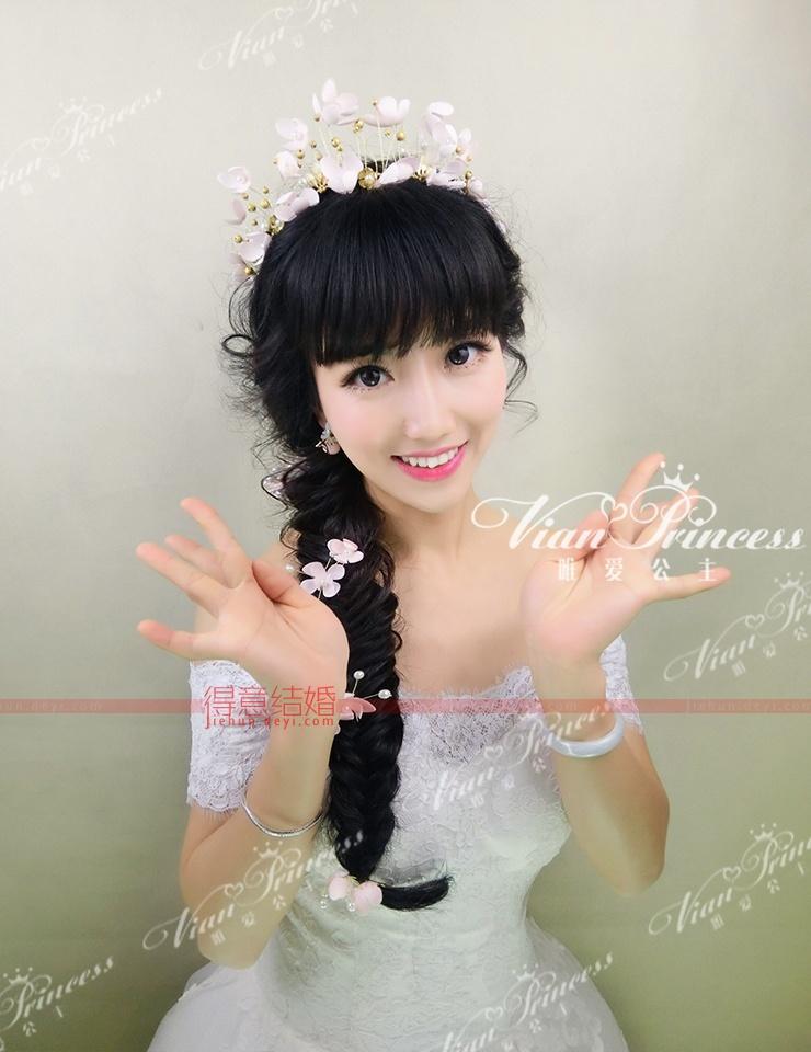 一个很可爱很俏皮的小公主