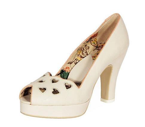 heartbreaker shoes 心形镂空高跟鞋