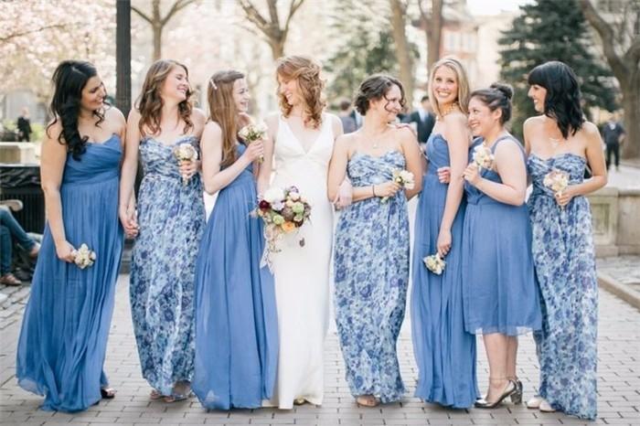 婚礼Bridesmaid Dress Trend:换上一袭迷人印花,给予闺蜜最甜蜜婚礼祝福